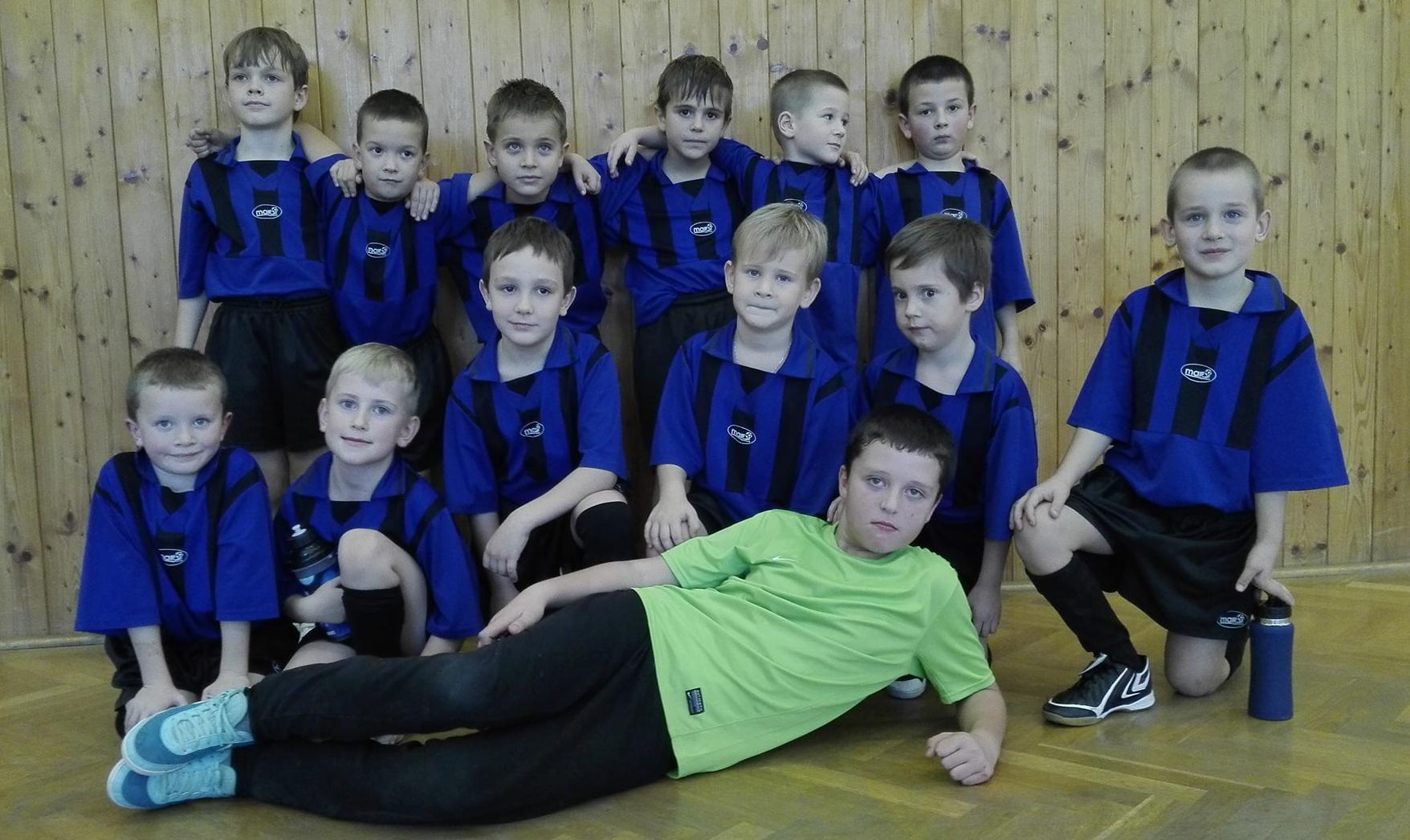 Mladší přípravka - halový turnaj Hostim, 17_11_2015